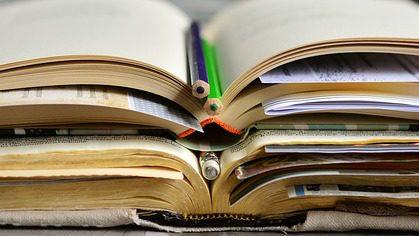 books-2158737_640.jpg